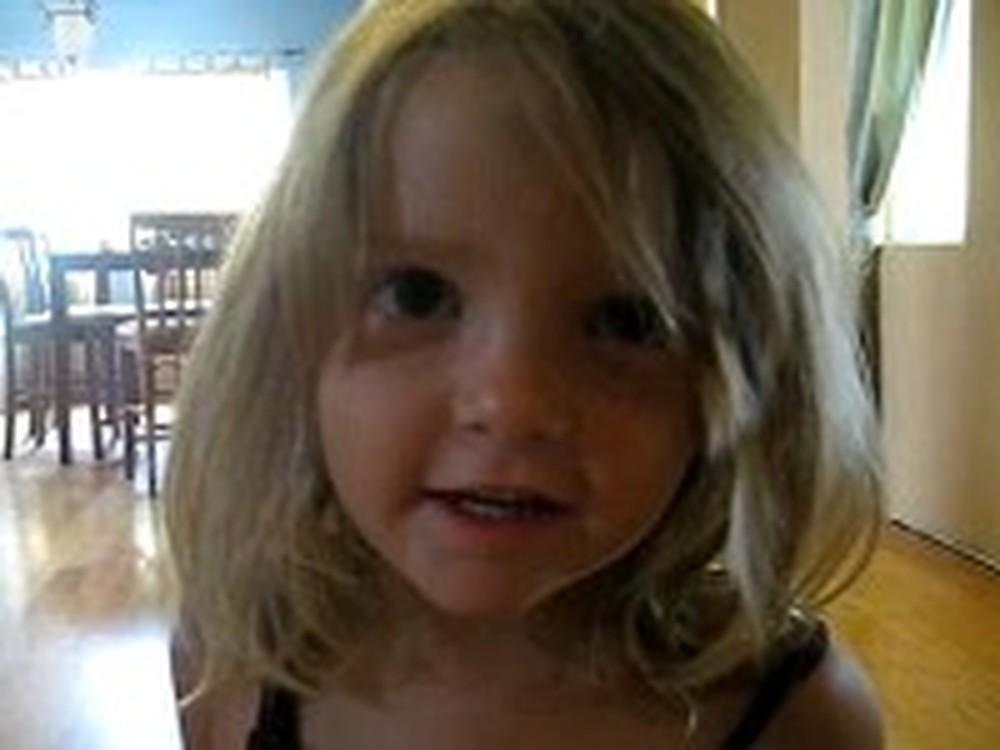 Adorable Little Girl Sings Amazing Grace