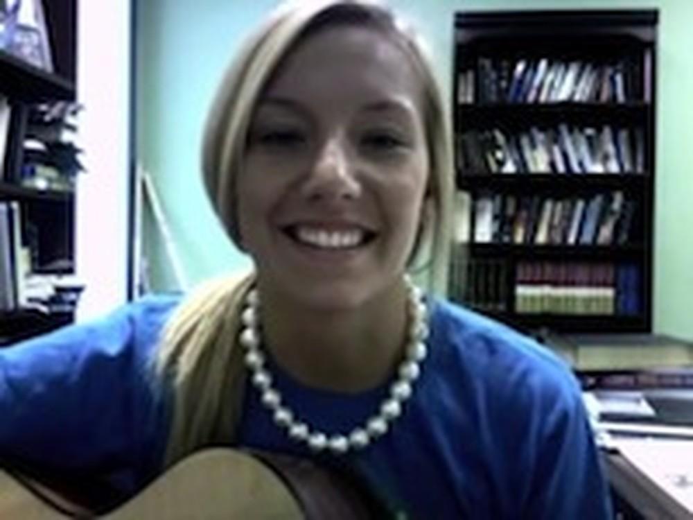 Cassidy Robinson Covers Brooke Fraser's Song 'Hosanna'