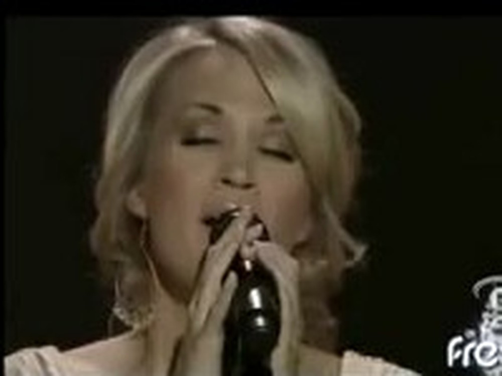 Carrie Underwood Sings 'How Great Thou Art'