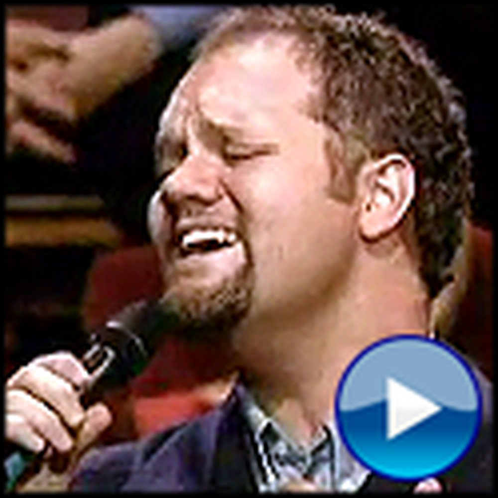 David Phelps Brings an Entire Room to Tears with a Song