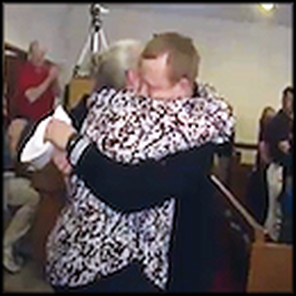 Navy Sailor Surprises his Mom During Church Service