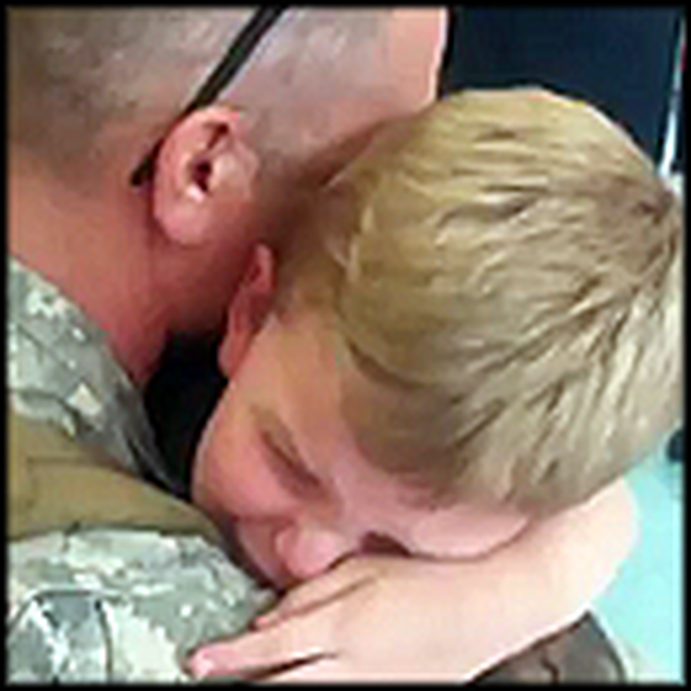 Soldier Has a Tearful Reunion with his Kids - Then His Mother