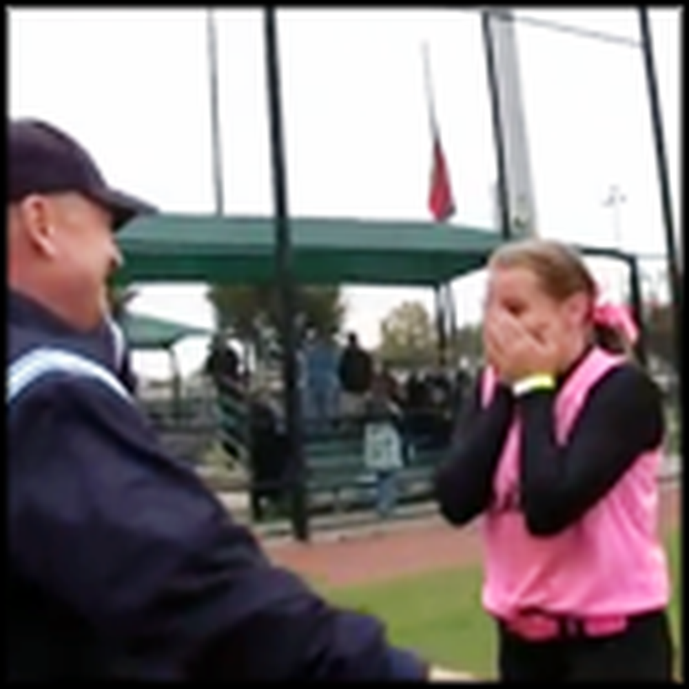Soldier Father Appears at His Daughter's Game to Surprise Her