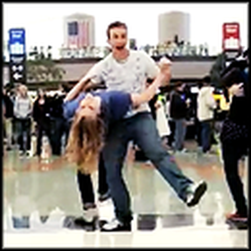 Surprise Thanksgiving Flash Mob at Denver Airport