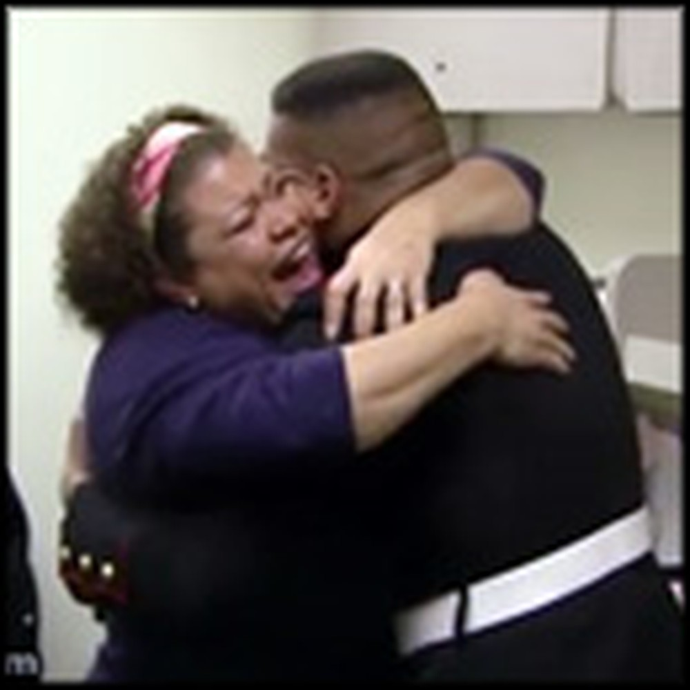 Marine Gives His Mom The Best Christmas Surprise