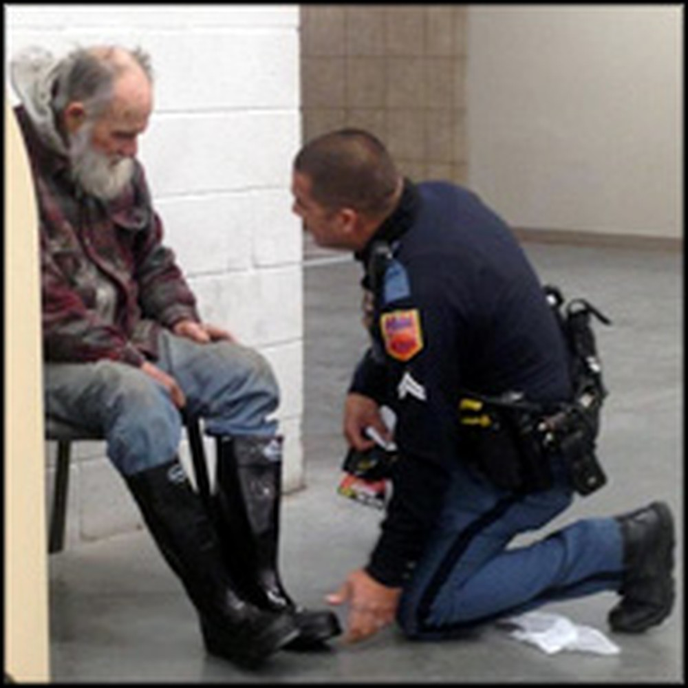 Compassionate Police Officer Does Something So Kind for a Homeless Man