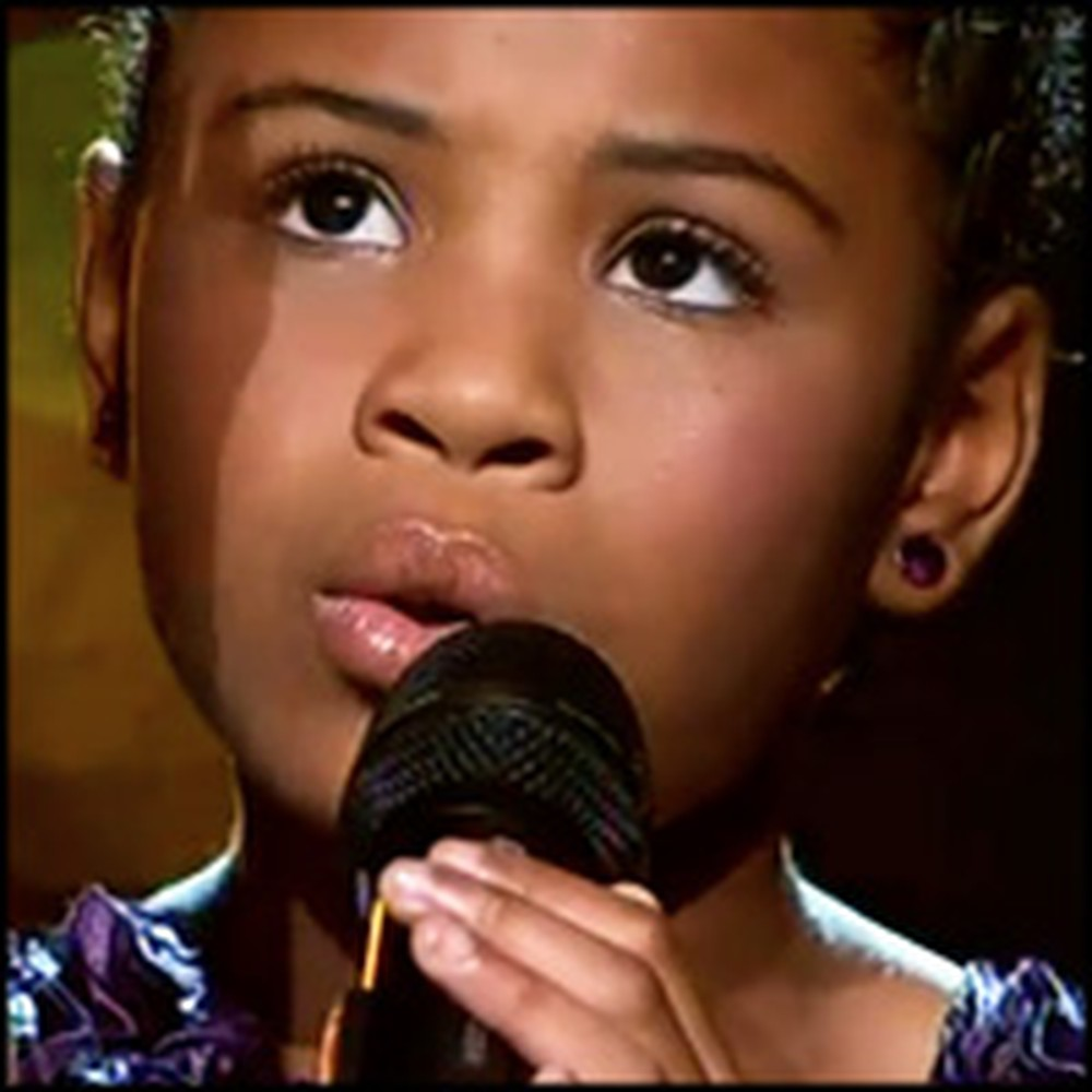 Little Girl Brings Audience to Their Feet With Her Astonishing Voice