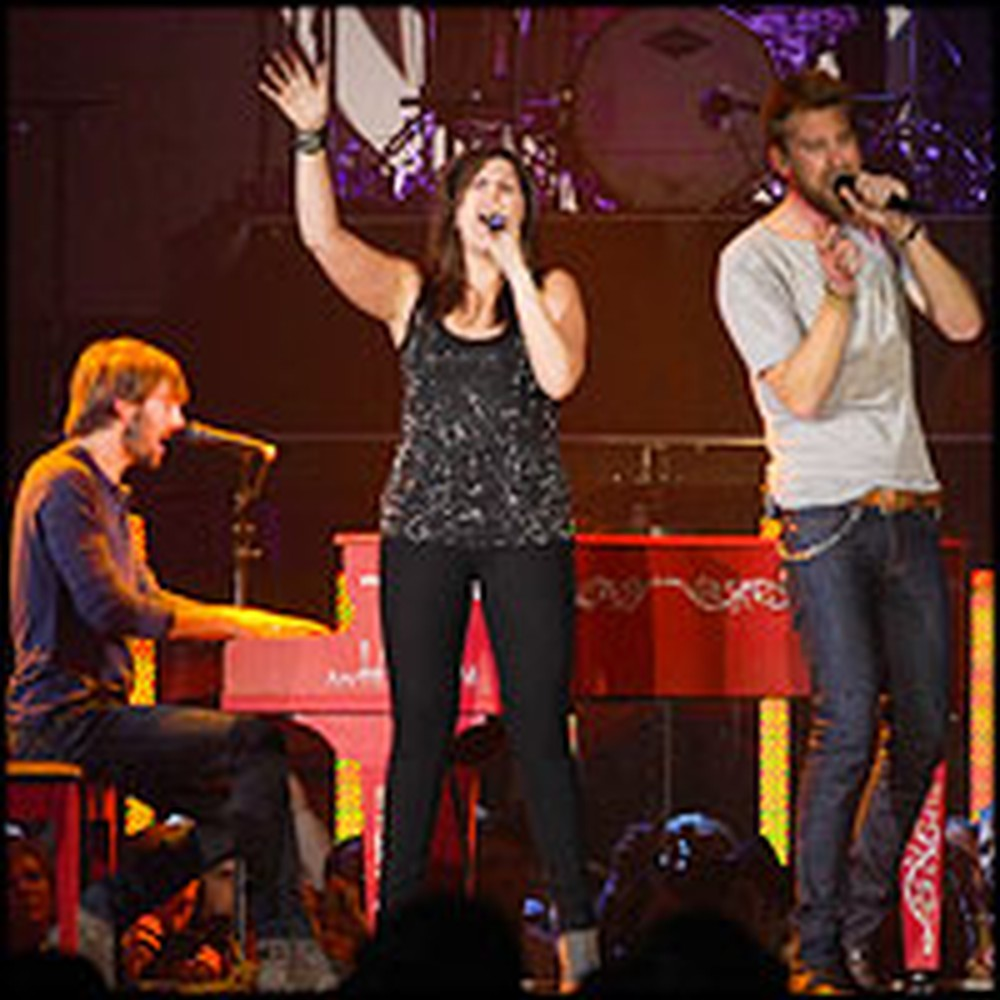 Lady Antebellum Sings Praises to Jesus at Their Concert