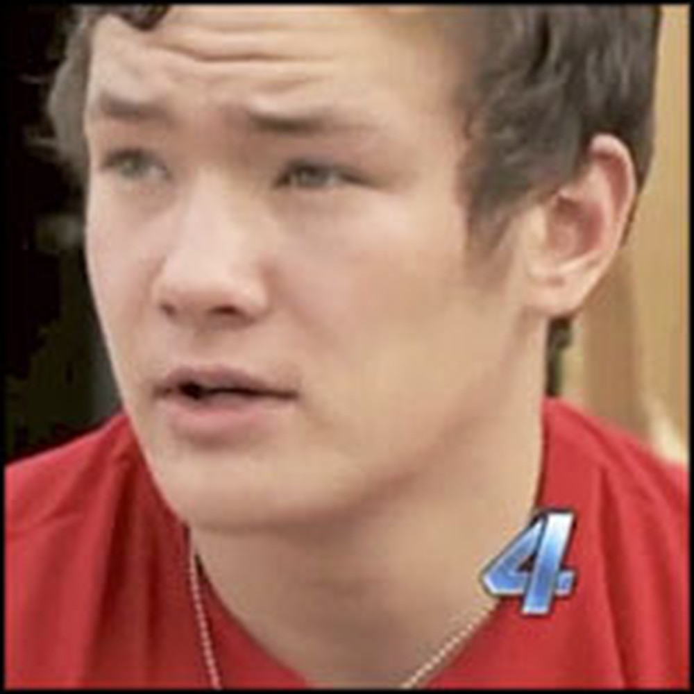 Teen Rescues 2 Little Girls From Tornado Rubble and Prays With Them