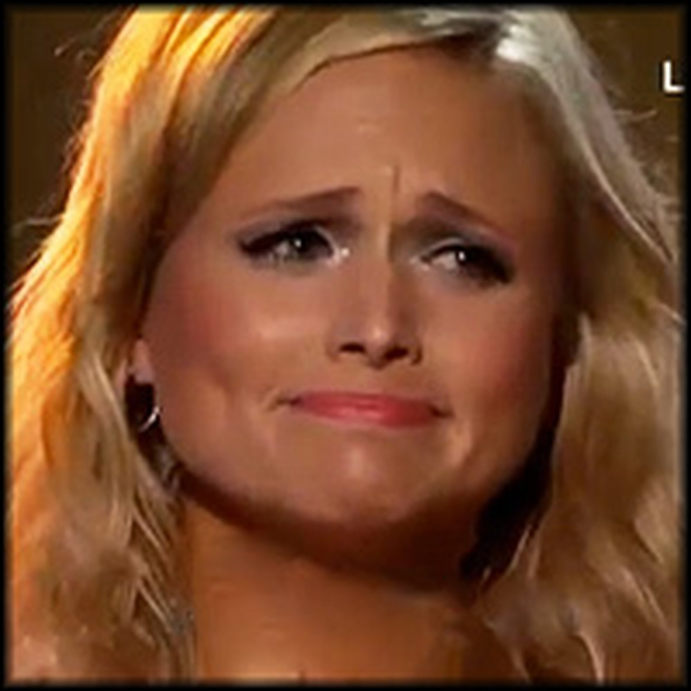 Miranda Lambert Breaks Down During Performance Dedicated to Tornado Victims