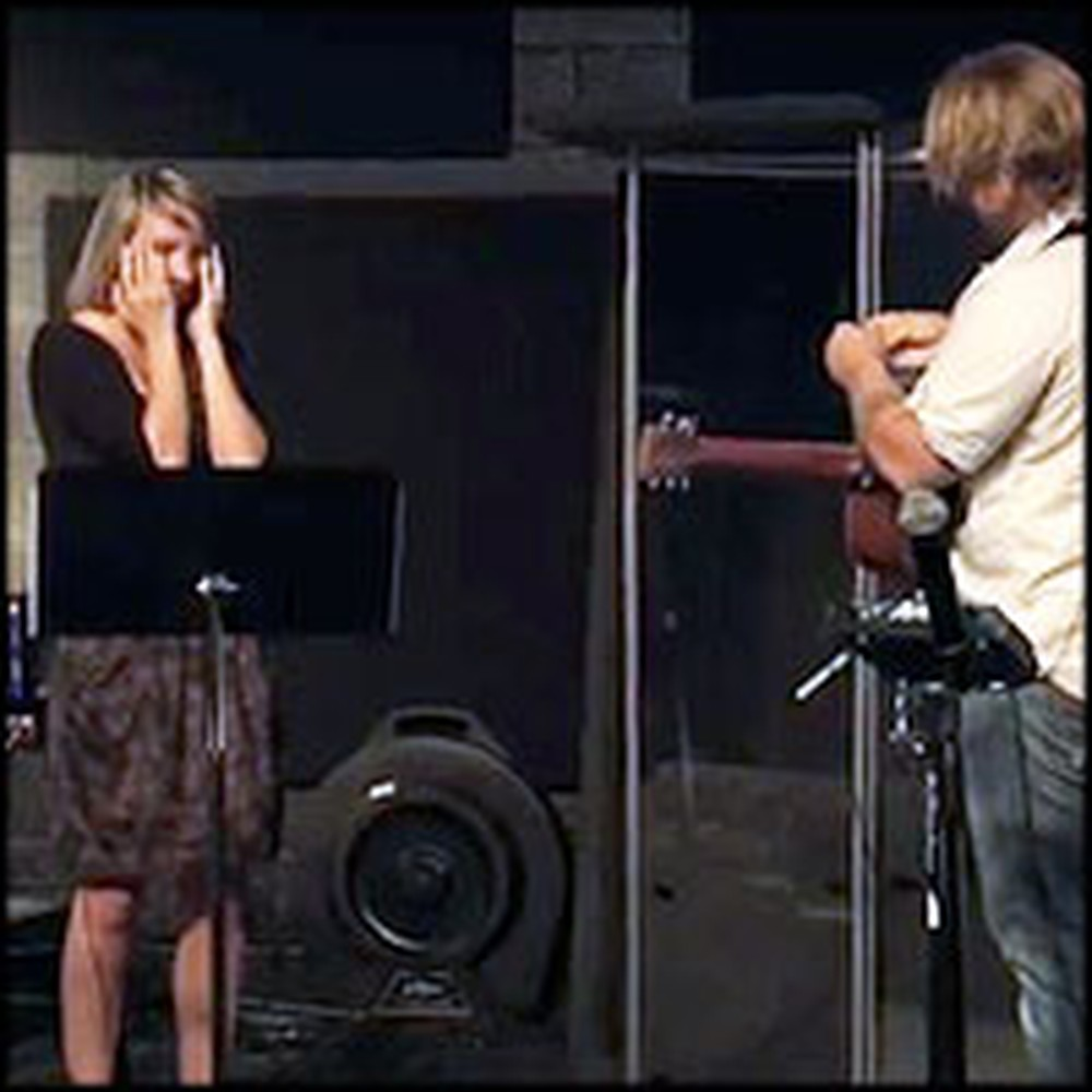Boyfriend Proposes Mid-Worship Song at Church