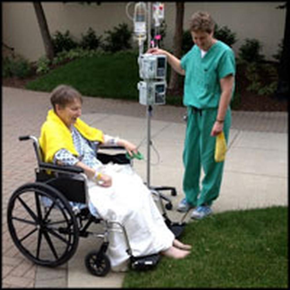Heartwarming Photo of Hospital Patient Will Lighten Your Soul