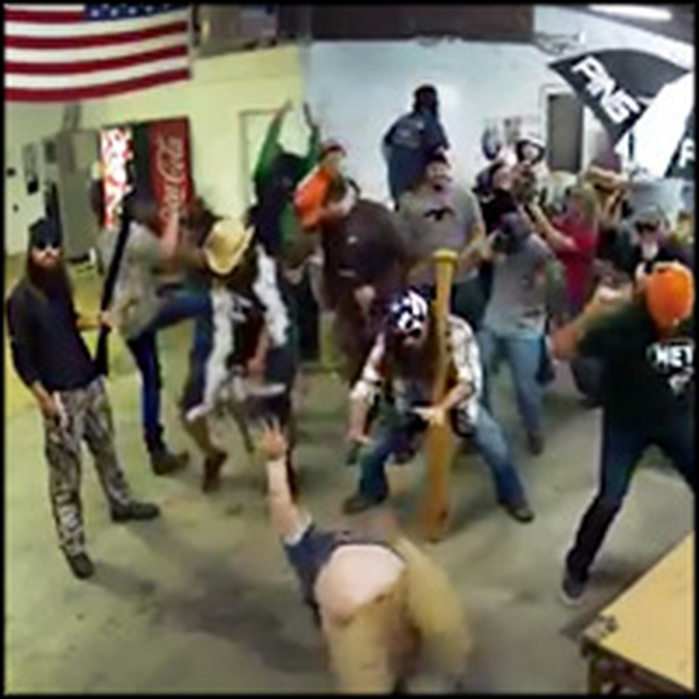 Duck Dynasty Crew Does the Harlem Shake - Fun Loving Christians!