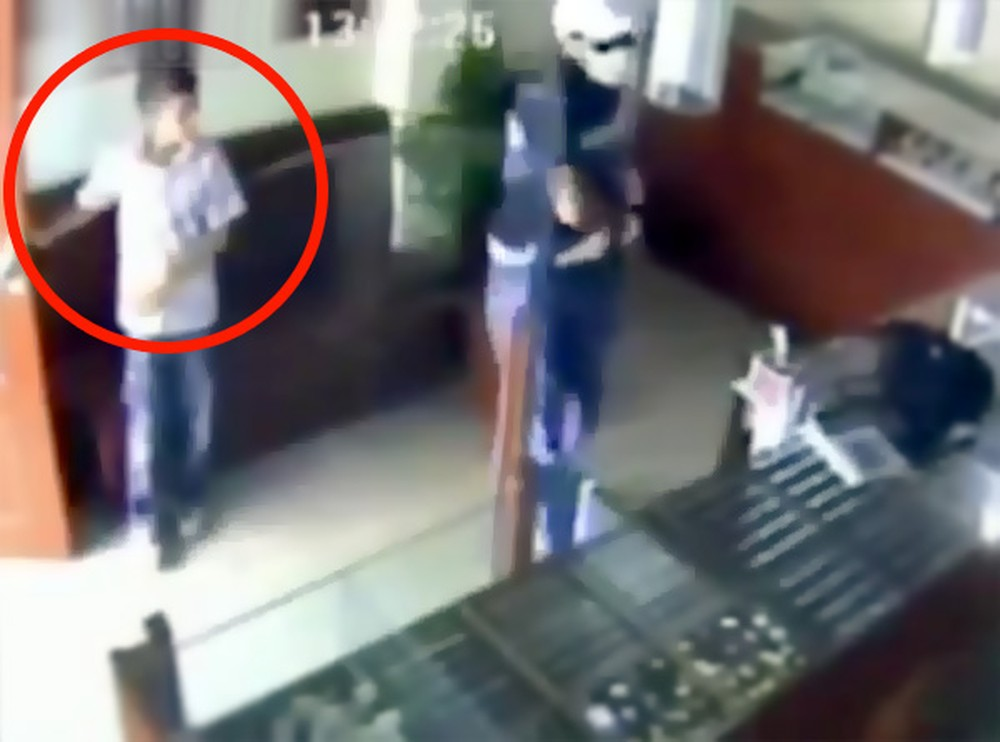 12 Year-Old Hero Bravely Stops an Armed Robbery