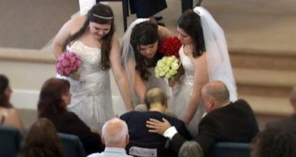 Three Daughters Selflessly Get Married on the Same Day for Their Dying Mother.