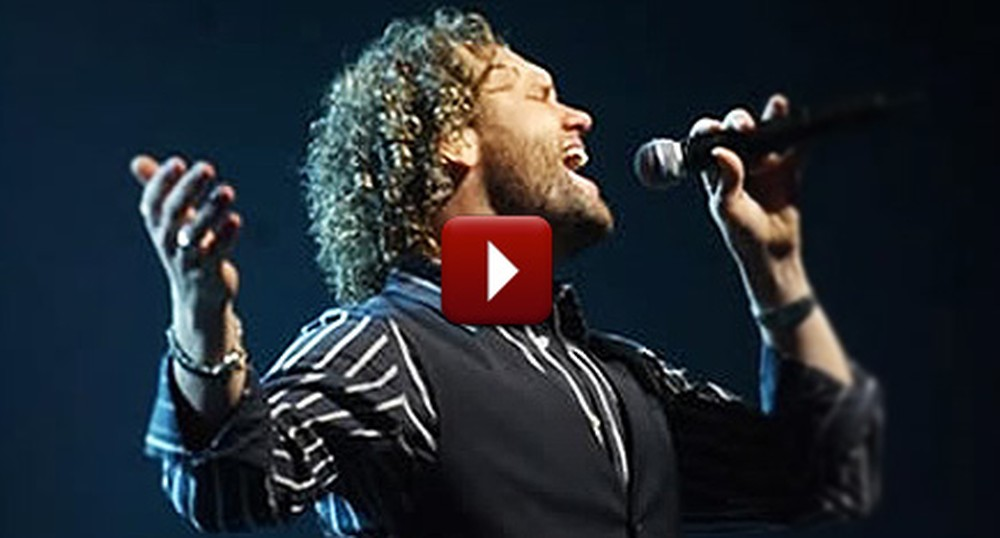 David Phelps Sings a Very Beautiful Version of O Holy Night