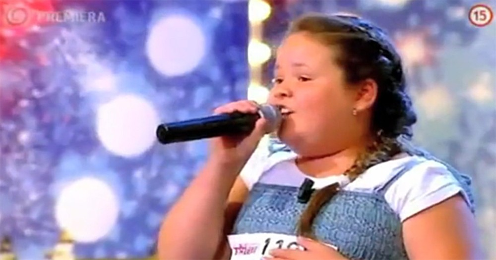 Little Girl Was Bullied for Her Weight but Brings Judges to Tears