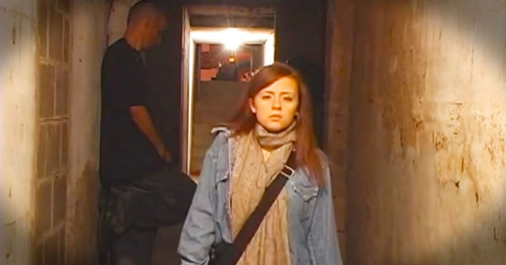 How This Girl Was Protected From An Attacker In A Dark Alley Hit Me Right In The Heart. Wow!