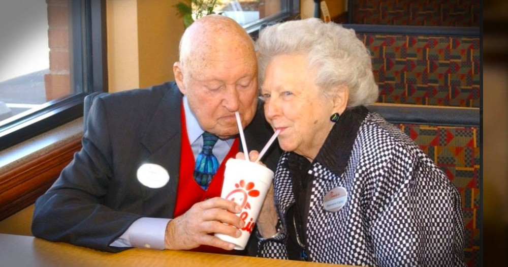 Truett Cathy, The Man Behind the Chick-fil-A Chicken Sandwich Has Died. Now He Is With Jesus!