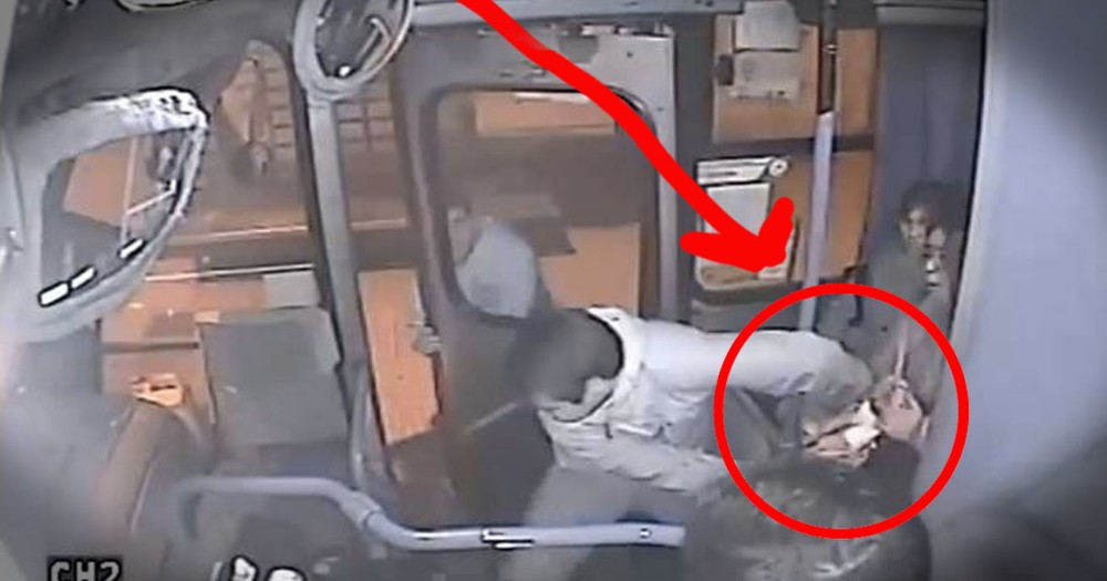A Purse Snatcher Learns A Lesson From a Quick Thinking Bus Driver... Whoa!