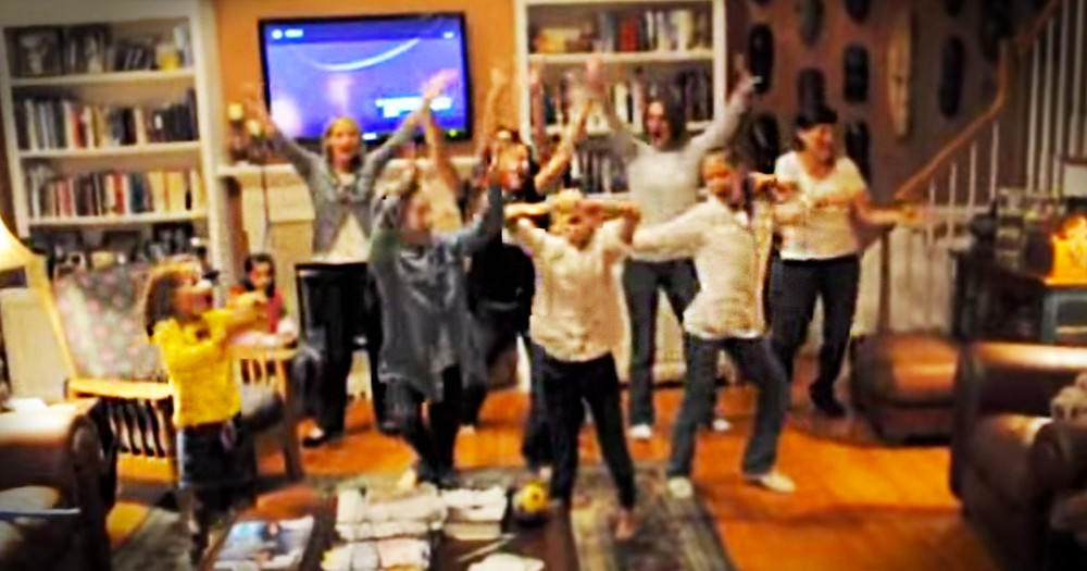 You'll Love What This Goofy Family Does to Celebrate Thanksgiving