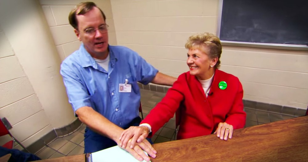 81-Year-Old Helps Inmates In An Incredible Way