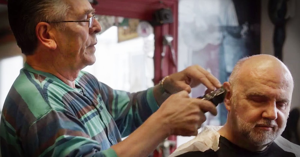 Barber Goes Above And Beyond For Those Down On Life