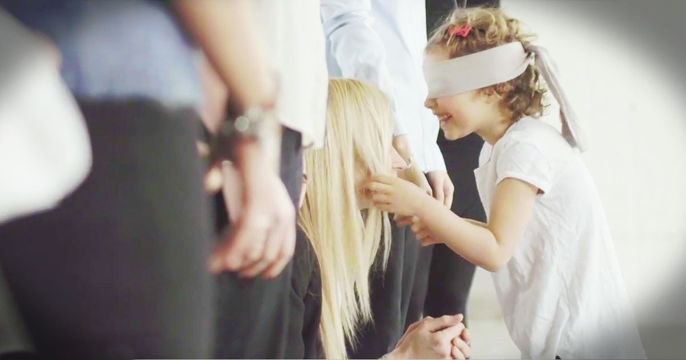 Kids Finding Their Mom While Blindfolded Shows What A Special Bond Moms Have With Their Kids