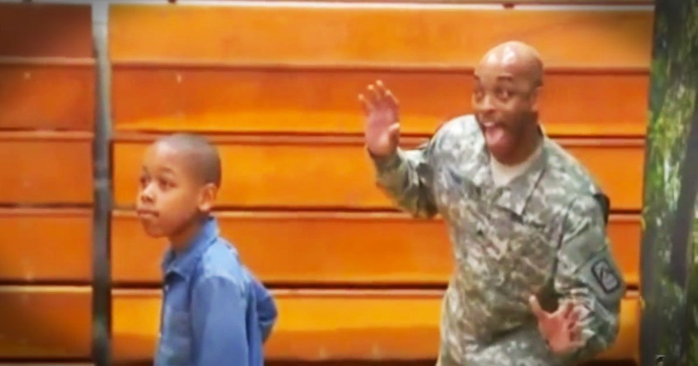 Soldier Dad Has Best Photobomb Surprise For His Son!