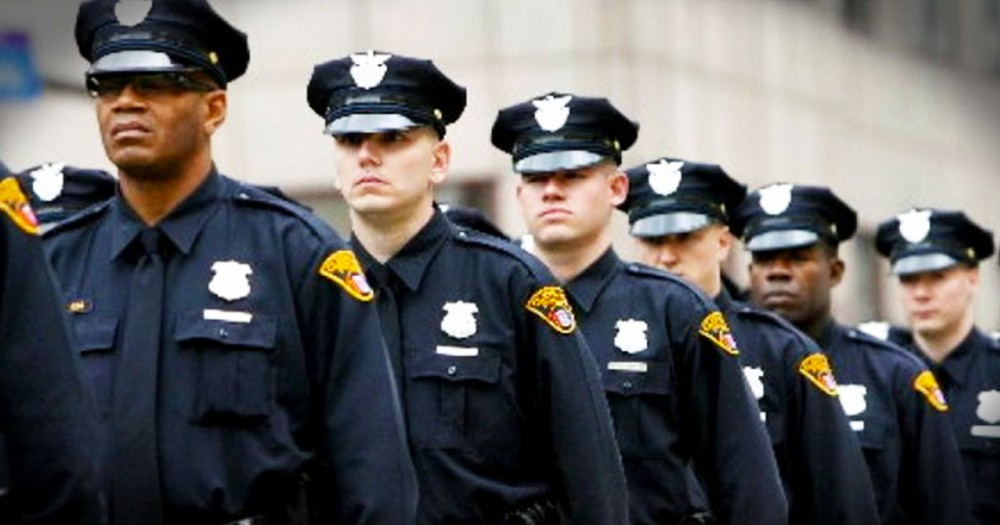 2 Police Officers Were Told To Stop Praying. What Happened Next Will Stun You!