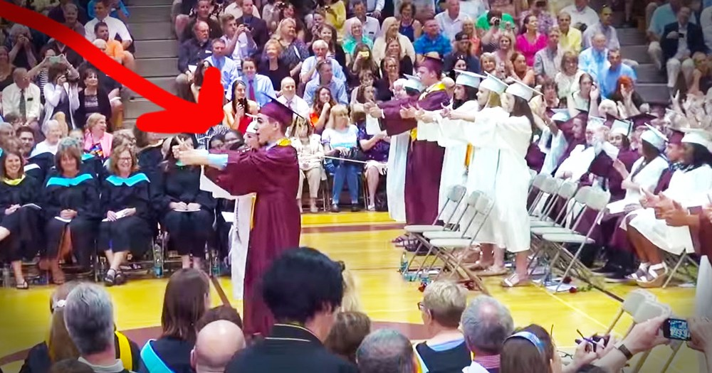 This Graduation Speech Turned Into An Epic Flash Mob--WOW!