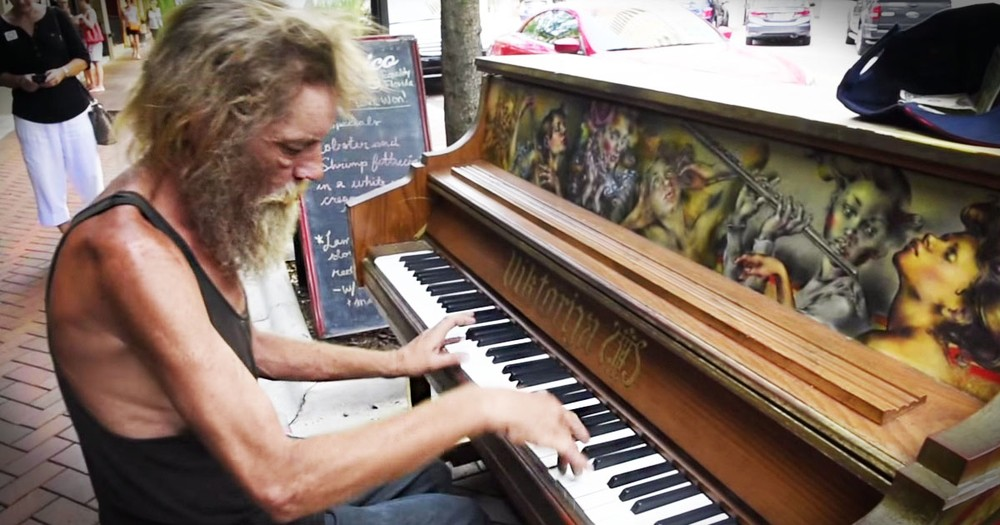 A Homeless Vet Sat Down At The Piano And THIS Happened!