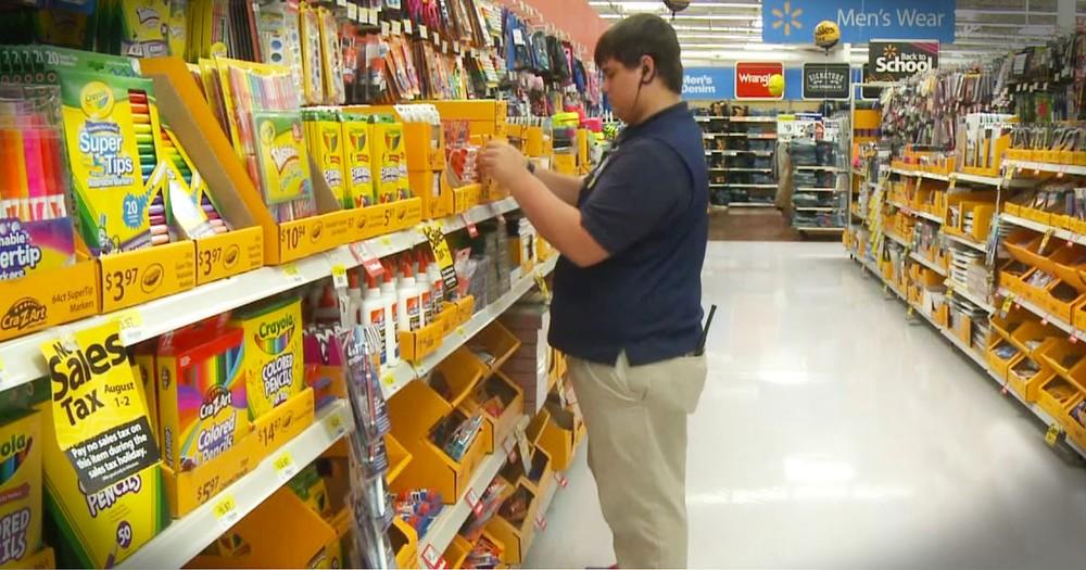 Teen Walmart Employee Gives Back In AMAZING Way