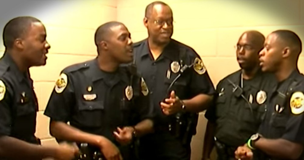 These A Cappella Police Officers Are Praising JESUS!
