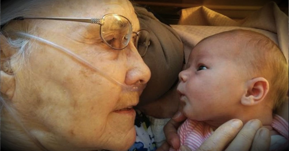 A 2-Day-Old Baby Just Met Her Great Grandma. And The Internet Is In LOVE!