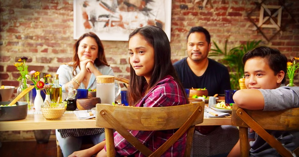 What Happens When Families Stop To Share A Meal Will Warm Your Heart