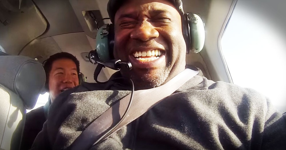 Man Flying In An Airplane For The First Time Touches Hearts