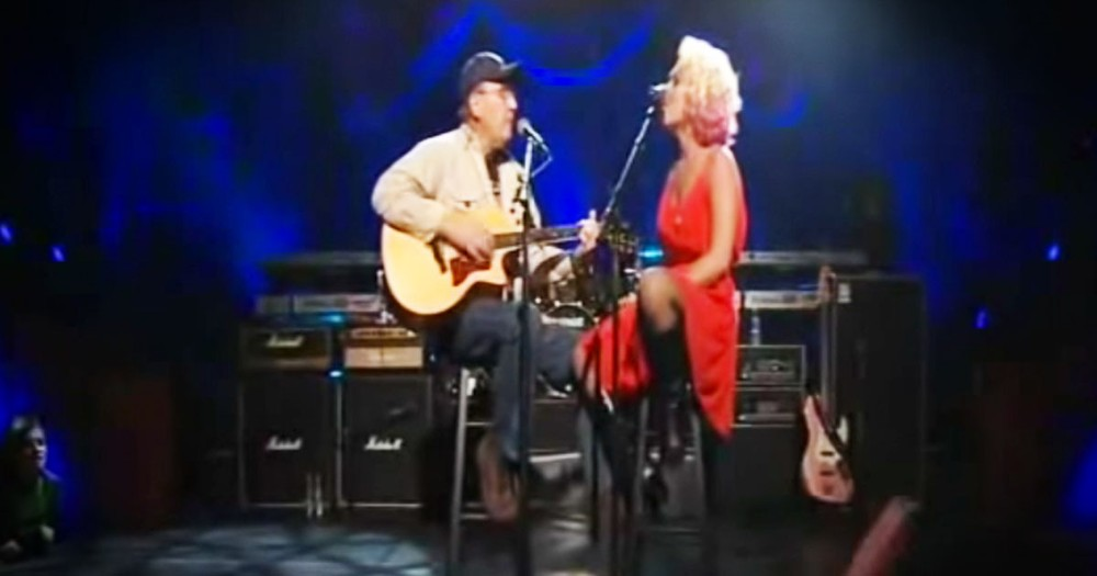 Rockstar Brought Her Veteran Dad On Stage And Moved My Heart