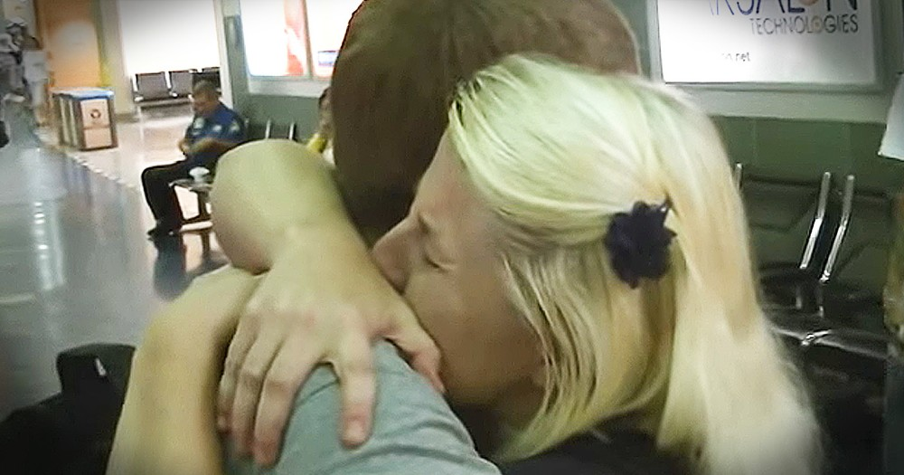 Mom Tearfully Reunites With Son She Gave Up For Adoption 21 Years Ago
