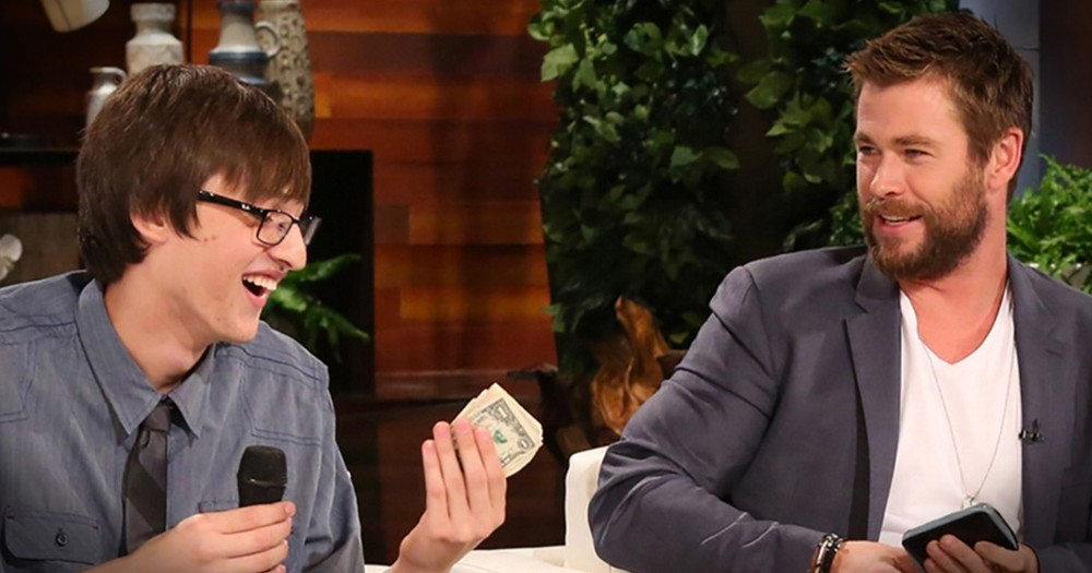 Honest Teen Returns Celeb's Wallet And Gets BIG 'Thank You'