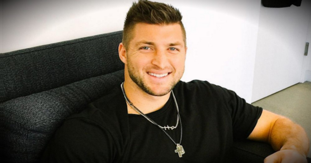 Football Star Tim Tebow Just Dropped Everything For A Friend In Need!