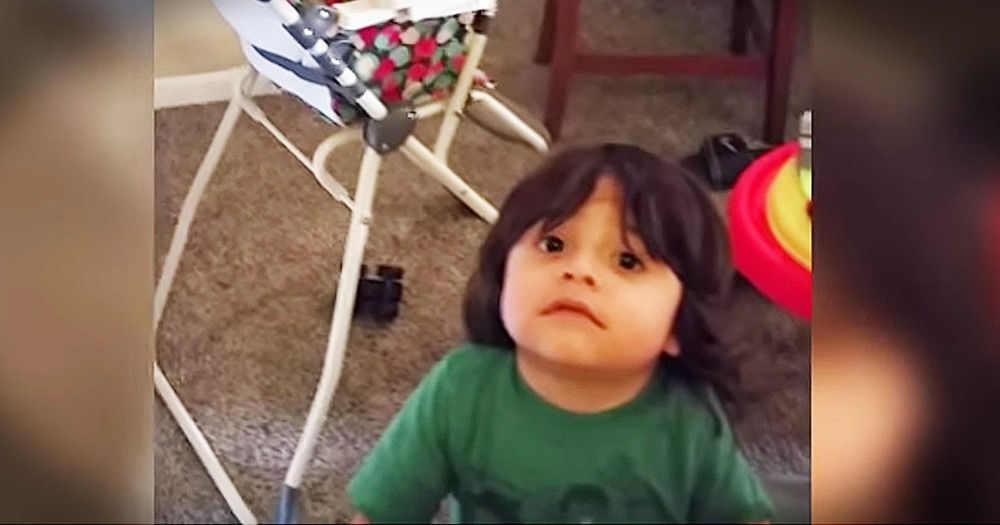 Smart Toddler Hilariously Avoids Dad's Bath Trick