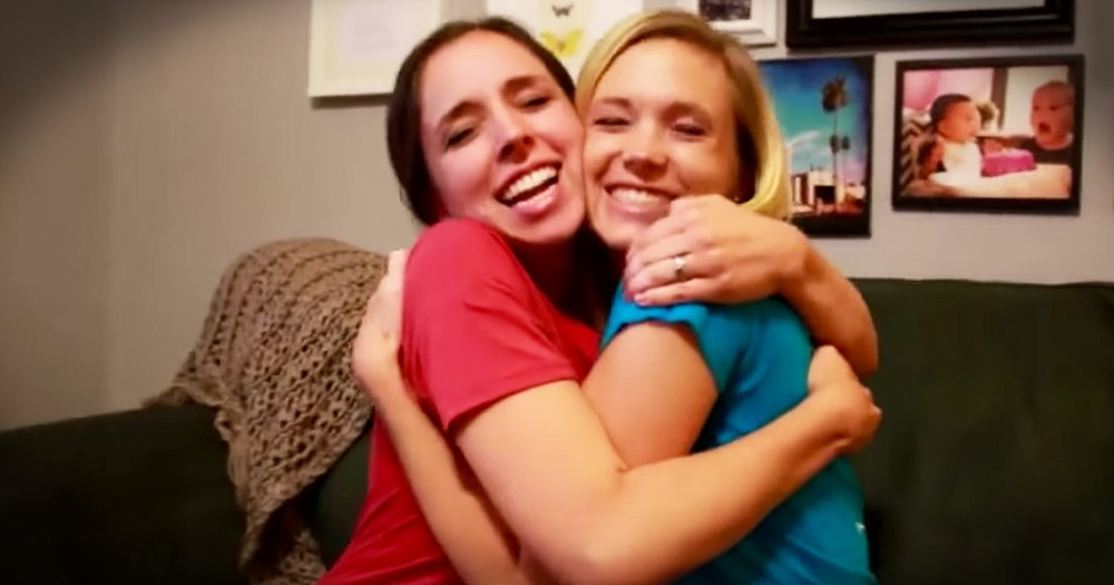 Sisters Surprise Each Other With Pregnancy News