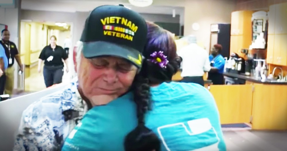Volunteers Are Hugging Veterans And It Is Helping Save Lives