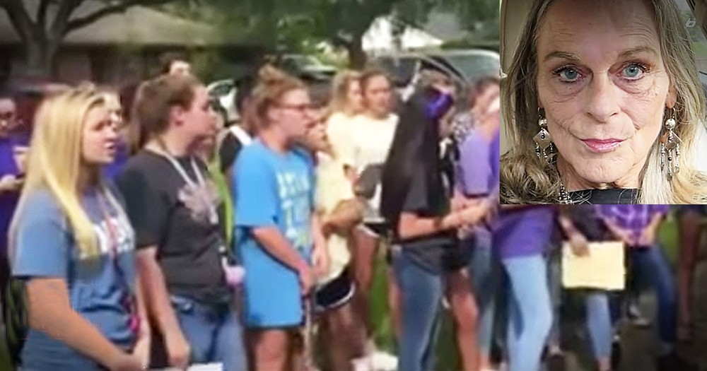 Students Sing 'Oceans' For Choir Director Minutes Before She Passes Away