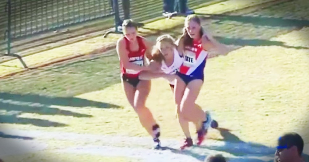 When This Runner Collapsed Rivals Stopped To Carry Her And What They Say Is Incredible