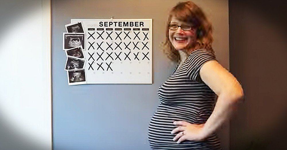 Woman Takes Picture Every Day Of Growing Pregnant Belly