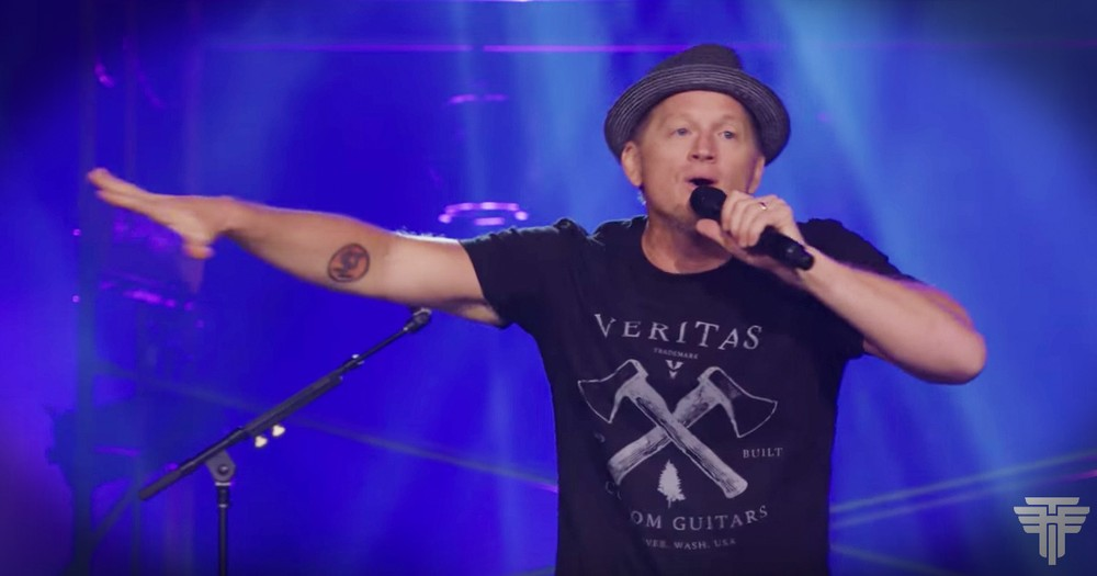 'I'll Clean Up For You' - Tim Hawkins Writes Funny Love Song For His Wife