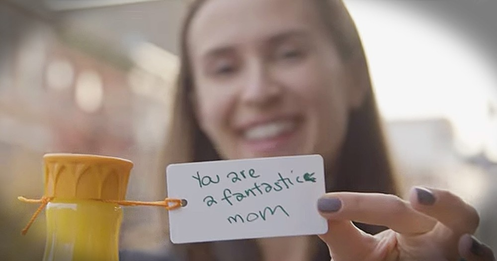 Strangers Inspire Chain Of Kindness By Paying Each Other Compliments