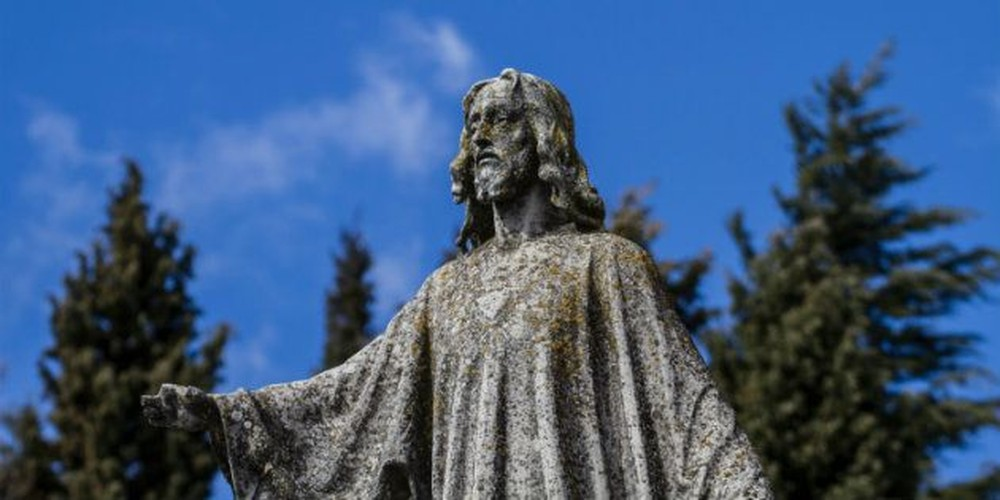 4 Things Jesus Never Said, But Everyone Thinks He Did